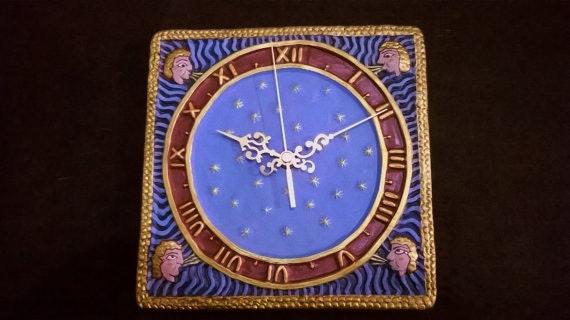 Reloj de pared - hecho a mano en barro cocido policromado.. Ceramicamanos Ceramicamanos