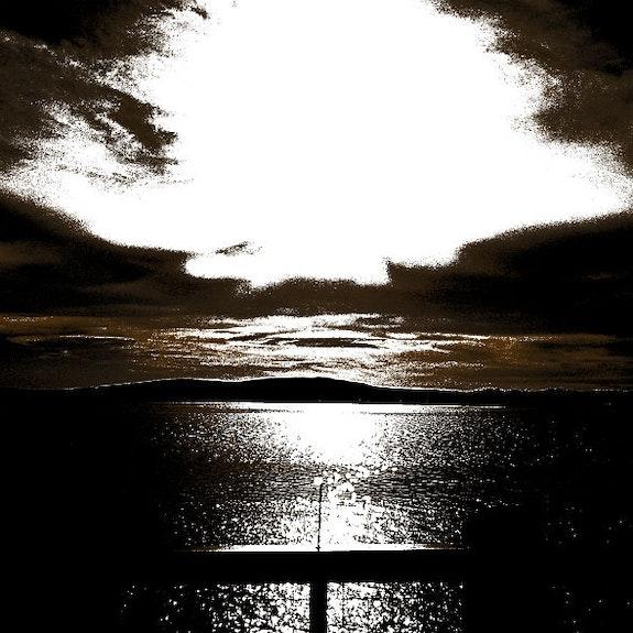 Sepia sun on the bay. Steven Wills Willssb