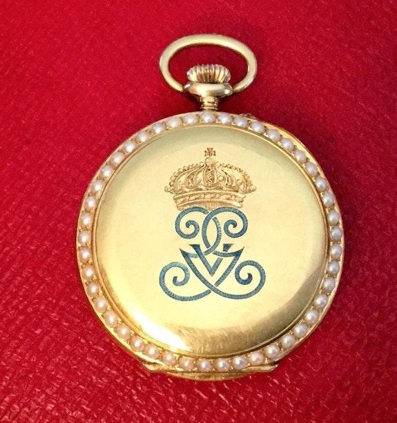 Goldene Geschenkuhr aus dem schwedischen Königshaus! Monogramm Gustav V..  Thomas Kern
