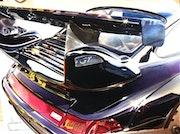 Arrière de Porsche avec aileron.