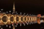 Reflet du pont de pierre. Gérald Bohic