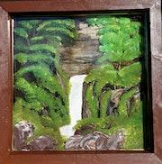 Waterfall thru the green. Isabella Deha