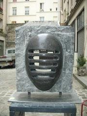 Masque granite.