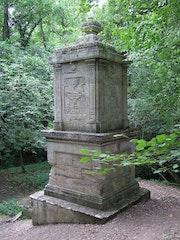 La fontaine de Saint-Aignan.