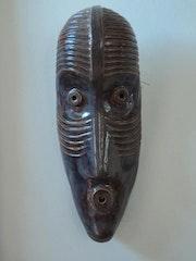 Mascara africana en cerámica. Edward Lugo