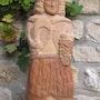 Saint Vincent sculpture en pierre dorée du beaujolais. David Bernard