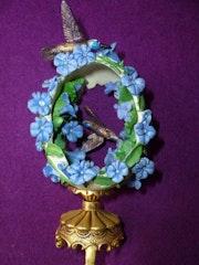 Franklin Mint - Maison Fabergé - Oeuf de colibri sur support.
