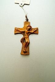 Tres belle croix en bronse massif. Golden Century Europe