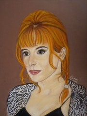 Portrait de Mylène Farmer.