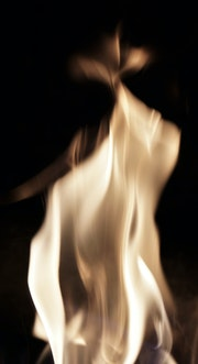 Girls of fire / Les Filles du Feu, série inferno; la Pythie..