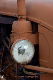 Vieux tracteur. Lionel Thieffine