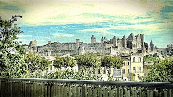 Carcassonne. La Maison Du Livre
