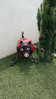 Sculpture le cochon joyeux.