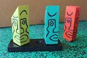 Statuettes puzzle sur socle. Guilhem Perros