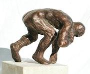 Kugelstoßer 1 (1993) Bronzeskulptur, Ansicht 1, von rechts. Hajo Horstmann