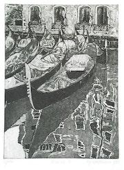 Venezia 7 (1981) Gondeln vor einer Hausfassade.. Hajo Horstmann