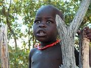 Photographie Jeune garçon Himba Namibie.