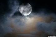 Pleine lune agitée.